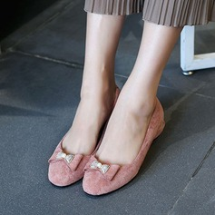 Women's Suede Flat Heel Flats Closed Toe With Bowknot shoes (086134594)