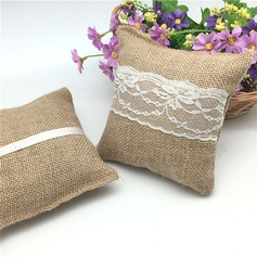 Simple Ring Pillow in Cloth With Lace