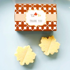 """Fall in Love"" Scented Leaf-Shaped Soaps Wedding Favors"