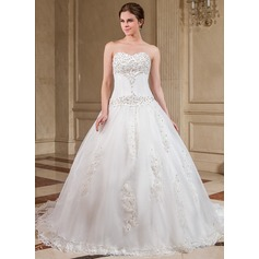 Ball-Gown Sweetheart Chapel Train Organza Wedding Dress With Lace Beading