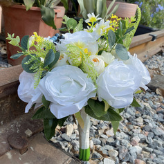 Classic Hand-tied Satin/Emulational Berries/Silk Flower Bridal Bouquets/Bridesmaid Bouquets (Sold in a single piece) - Bridal Bouquets/Bridesmaid Bouquets