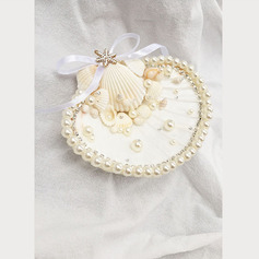 Beach Themed/Luxury/Delicate Seashell Ring Holder With Petals