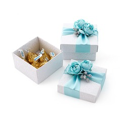 Lovely Cuboid Favor Boxes With Flowers/Ribbons
