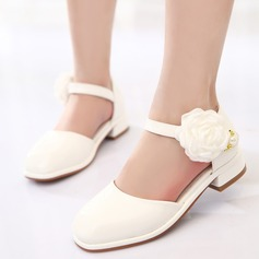 Jentas Lukket Tå Leather lav Heel Pumps Flower Girl Shoes med Velcro Blomst