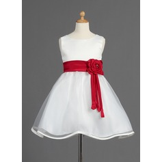 A-Line/Princess Knee-length Flower Girl Dress - Organza/Satin Sleeveless Scoop Neck With Sash/Beading/Flower(s)/Bow(s)