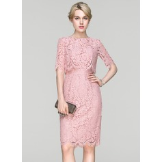 Sheath/Column Scoop Neck Knee-Length Lace Cocktail Dress (016094364)