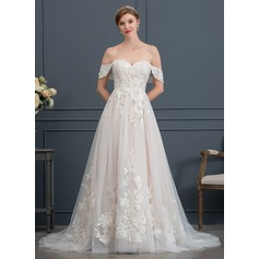 Ball-Gown/Princess Sweetheart Sweep Train Tulle Wedding Dress