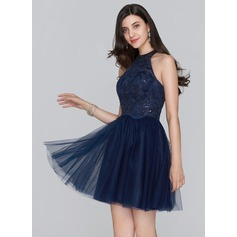 A-Line/Princess Scoop Neck Short/Mini Tulle Homecoming Dress With Sequins (022124852)