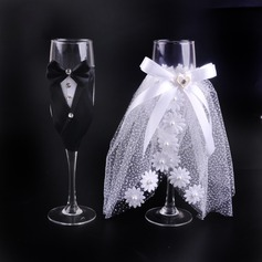 Bride and Groom Toasting Flutes (Set Of 2)