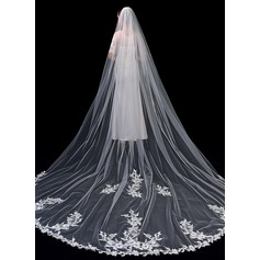 One-tier Lace Applique Edge Chapel Bridal Veils With Lace (006201036)