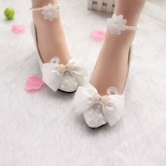 Women's Patent Leather Kitten Heel Closed Toe Pumps With Bowknot Imitation Pearl Applique
