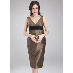 Empire V-neck Knee-Length Taffeta Taffeta Maternity Bridesmaid Dress With Ruffle Sash
