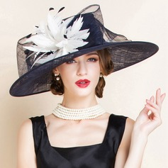 Dames Charme Batiste avec Feather Chapeau melon / Chapeau cloche/Kentucky Derby Des Chapeaux/Chapeaux Tea Party
