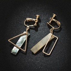 Chic Alloy Shell Women's Fashion Earrings