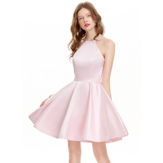 A-Line Scoop Neck Short/Mini Satin Homecoming Dress (300244128)