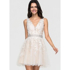 A-Line V-neck Short/Mini Tulle Homecoming Dress With Lace Beading