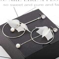 Unique Alloy With Resin Women's Fashion Earrings