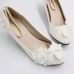 Women's Leatherette Chunky Heel Closed Toe Pumps With Flower Pearl