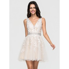 A-Line/Princess V-neck Short/Mini Tulle Homecoming Dress With Lace Beading (022164869)