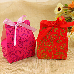 Classic Favor Boxes With Ribbons