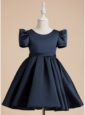 Knee-length Flower Girl Dress - Satin Short Sleeves Scoop Neck