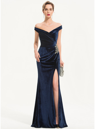 Sheath/Column Off-the-Shoulder Floor-Length Velvet Evening Dress With Beading Split Front