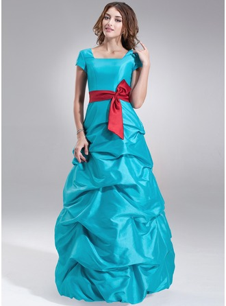 A-Line/Princess Square Neckline Floor-Length Taffeta Bridesmaid Dress With Ruffle Sash Bow(s)