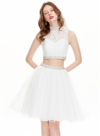 A-Line/Princess High Neck Knee-Length Tulle Prom Dress With Beading Sequins