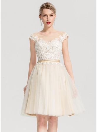 Scoop Neck Knee-Length Tulle Cocktail Dress With Appliques Lace