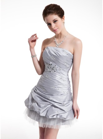 Sheath/Column Strapless Short/Mini Taffeta Homecoming Dress With Ruffle Beading