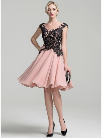 A-Line/Princess V-neck Knee-Length Chiffon Mother of the Bride Dress