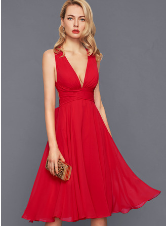 A-Line V-neck Knee-Length Chiffon Cocktail Dress With Ruffle Bow(s)