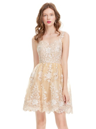 A-Line/Princess Sweetheart Knee-Length Tulle Lace Homecoming Dress
