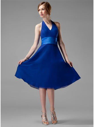 A-Line/Princess Halter Knee-Length Chiffon Bridesmaid Dress With Ruffle