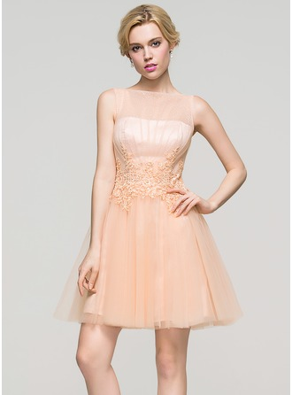 A-Line/Princess Scoop Neck Short/Mini Tulle Homecoming Dress With Ruffle Beading Sequins