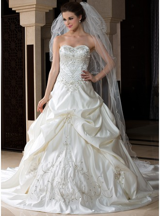 Three-tier Cathedral Bridal Veils With Scalloped Edge
