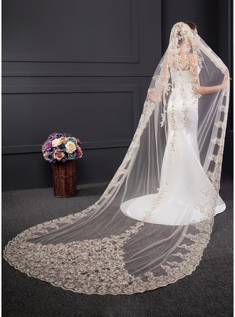 One-tier Lace Applique Edge Chapel Bridal Veils With Sequin/Lace