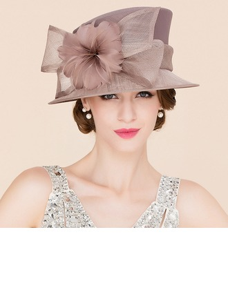 Dames Accrocheur Batiste avec Feather Chapeau melon / Chapeau cloche
