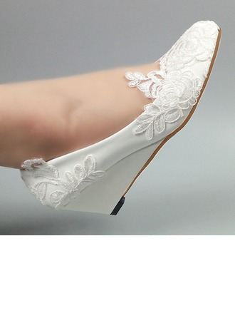 Women's Patent Leather Wedge Heel Closed Toe Pumps With Stitching Lace Flower