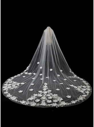 One-tier Lace Applique Edge Cathedral Bridal Veils With Satin Flower/Lace