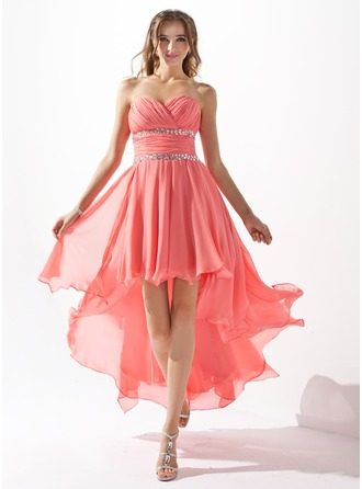A-Line/Princess Sweetheart Asymmetrical Chiffon Homecoming Dress With Ruffle Beading