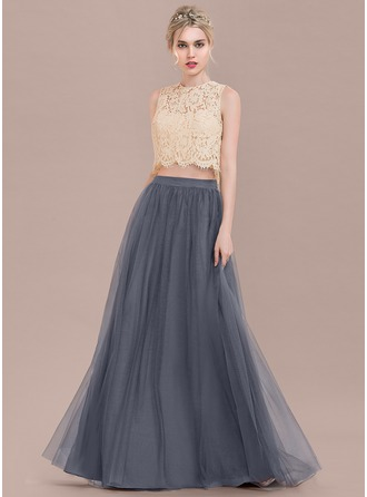 Scoop Neck Floor-Length Tulle Lace Prom Dresses