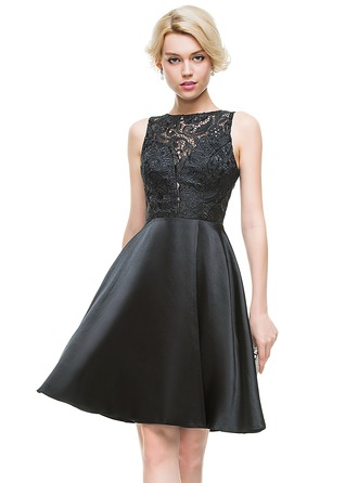 A-Line/Princess Scoop Neck Knee-Length Charmeuse Homecoming Dress