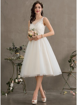 Knee-Length Tulle Wedding Dress With Sequins