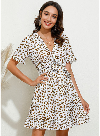 Print A-line V-Neck Short Sleeves Midi Casual Elegant Skater Wrap Dresses