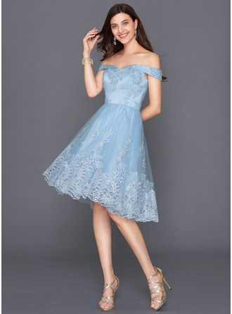 A-Line/Princess Off-the-Shoulder Knee-Length Tulle Cocktail Dress With Sequins