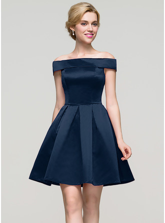 A-Line/Princess Off-the-Shoulder Short/Mini Satin Homecoming Dress