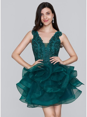A-Line/Princess V-neck Short/Mini Organza Homecoming Dress With Sequins
