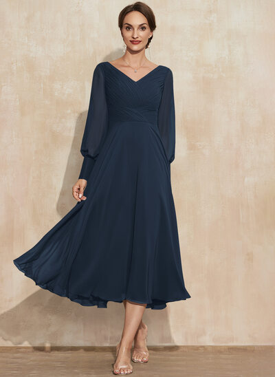 A-Line V-neck Tea-Length Chiffon Mother of the Bride Dress With Ruffle