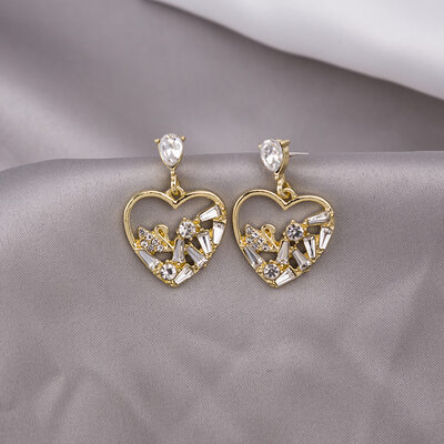 Ladies' Heart Shaped Alloy/Rhinestones/Imitation Pearls Earrings
